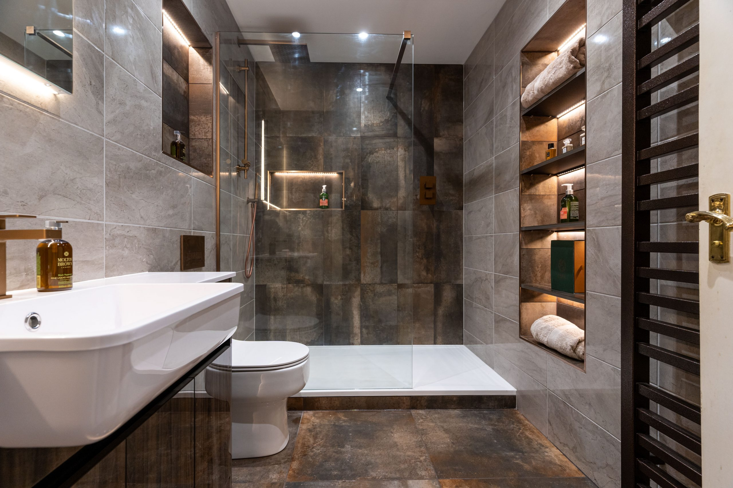 Planning and designing your luxury bathroom